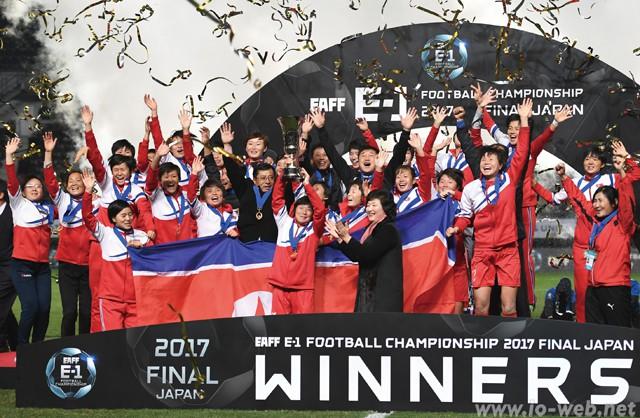 201802_E1football_01